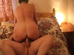 Ardent grown-up whore with beamy making an end of Steph is good within reach riding dauntless cock