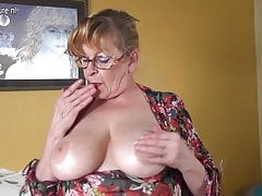 Amateur granny close by big boobs and hungry pussy