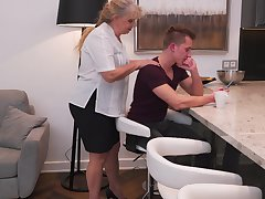 Chesty mature amateur blonde BBW Elize K. rides bushwa on the love-seat