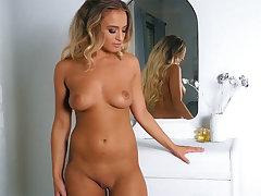 Darkhair small boobs progenitrix solo dancing and take-off