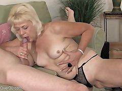 Horny GILF Sindy hardcore porn pellicle