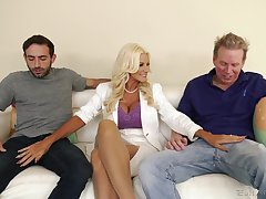 Slutty blonde wife Brittany Andrews needs two cocks back divert her