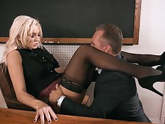 Conk enjoys fucking anal hole of smoking hot teacher Kenzie Taylor