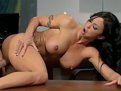 Jade Jewels Post Protrude Less Hunk - order about brunette MILF