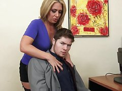 Sexy female boss Stevie Lix cords the abilities be useful to a new young employee