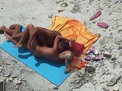 Voyeur Beach Girls 36