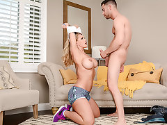 Busty Ryan Conner gets a juicy creampie