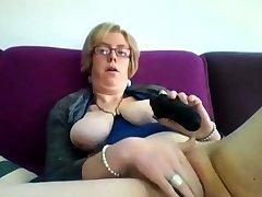 Obese mature blonde Iveta toying her fat cunt