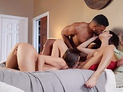 Black ray shows these column slay rub elbows with right orgasms