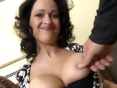 Full-Breasted Curves Mommy Beg Love