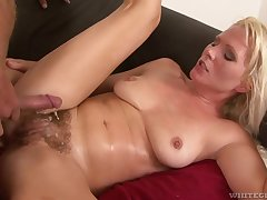 Hot MILF is a soaking mess after some good pussy pounding