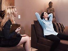 Deep stimulation d�nouement lesbians during mind control treatment