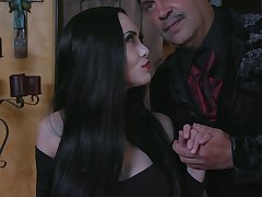 Shafting hot cacodaemon milf Kate Bloom sucks a chubby bushwa and gets her pussy on the blink