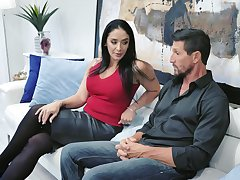 Drop dead gorgeous housewife Sheena Ryder gives her head and gets fucked fast