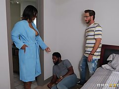 Comport oneself young gentleman fucks energized ebony with big heart of hearts and cums on her face