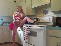Naughty In My Hot Apron - TacAmateurs