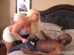 Alura Jenson wants his thick veiny black dig up