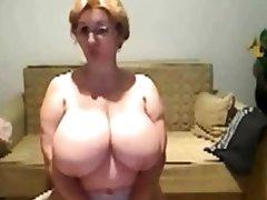 Madura tetuda webcam