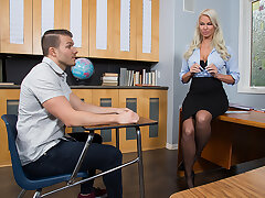 Hot MILF teacher, London River, hooks about with her student concerning the classroom for a fleeting grade