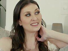 Angelina Diamanti - Tall And Elegant