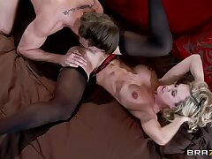 Brandi Love In 40 Y.o. Milf Spreads Her Nyloned Legs For A Young Big Dig up